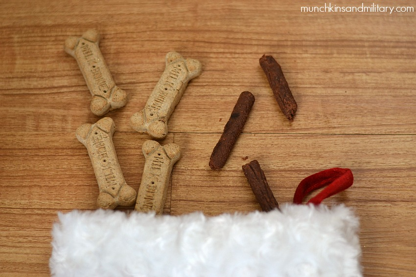 #TreatThePups with Doggy Stocking Stuffers!
