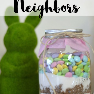 Welcome New Neighbors with Mason Jar Cookie Mix
