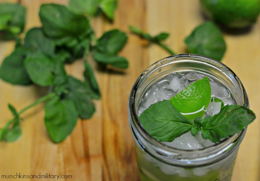 An easy recipe for a classic Mojito