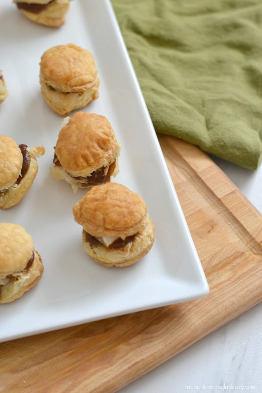 Mini baked brie and apple butter puff pastry appetizers