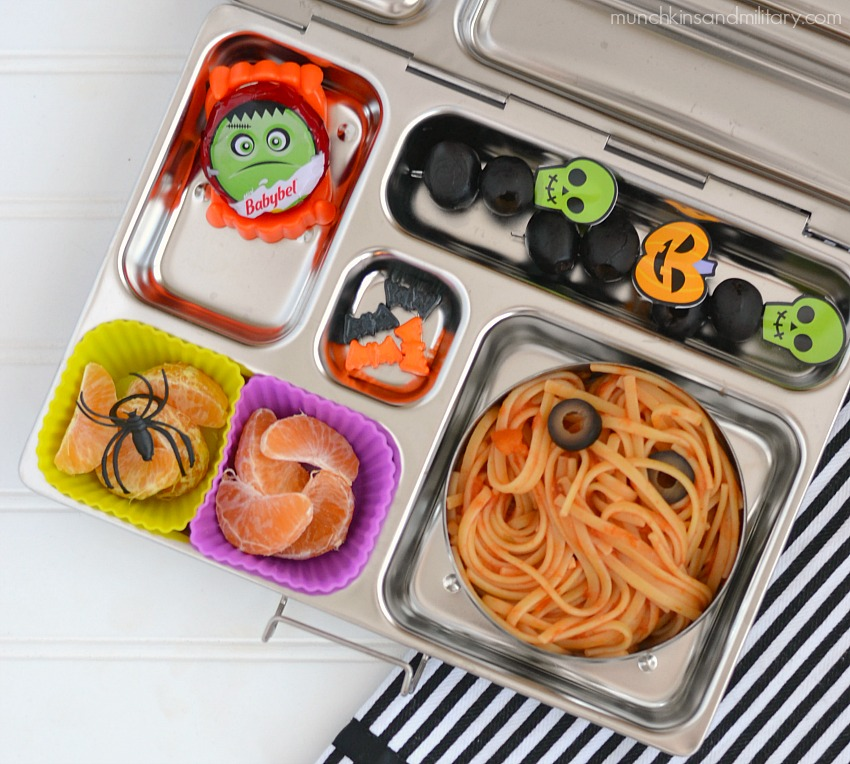 spooky halloween bento lunch munchkins and the military. Black Bedroom Furniture Sets. Home Design Ideas