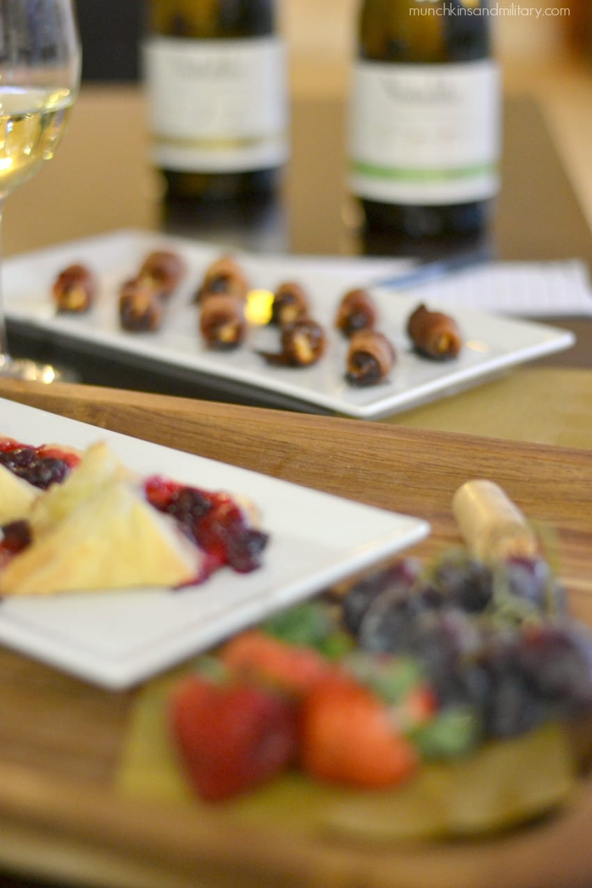 Wine night appetizers for perfect wine night - goat cheese and bacon dates, cranberry tarts, fresh fruit